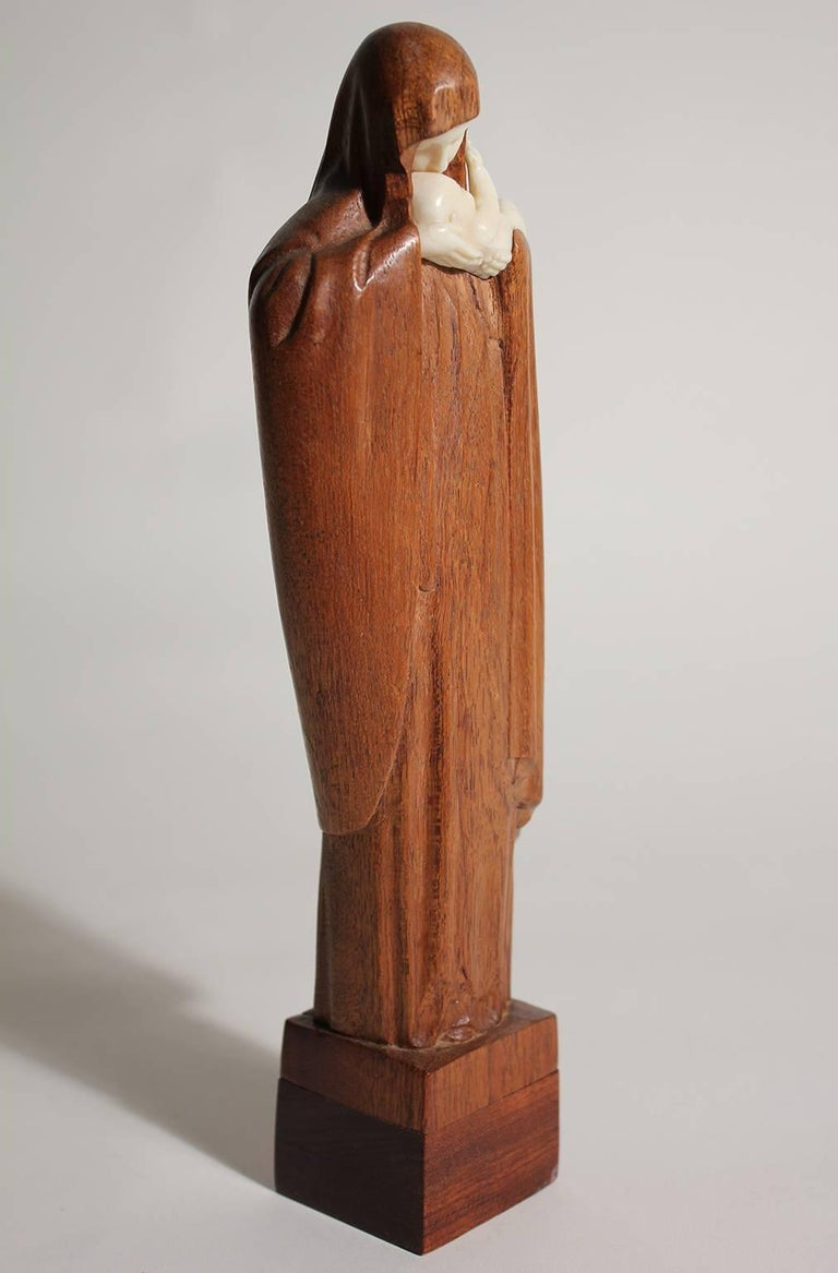 French Art Deco Listed Artist Lucienne Heuvelmans Madonna & Child Sculpture In Excellent Condition For Sale In San Diego, CA
