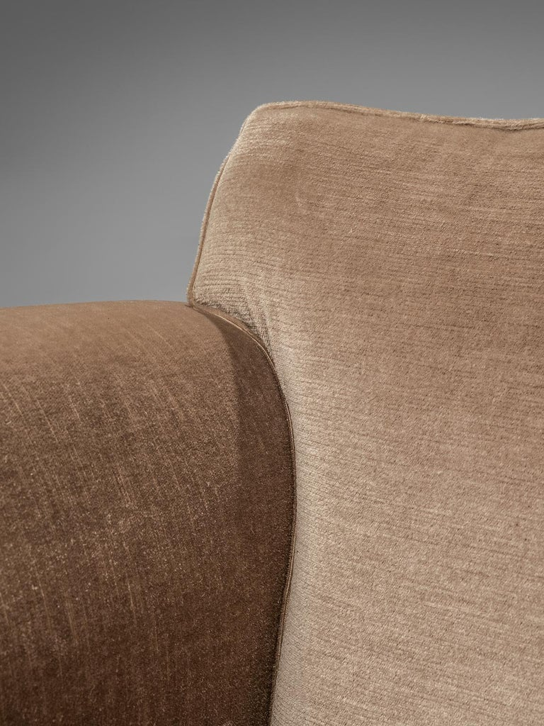 French Art Deco Lounge Set in Taupe Velvet For Sale 7
