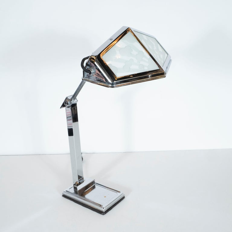 French Art Deco Machine Age Nickel and Frosted Glass Cloud Motif Table Lamp For Sale 2