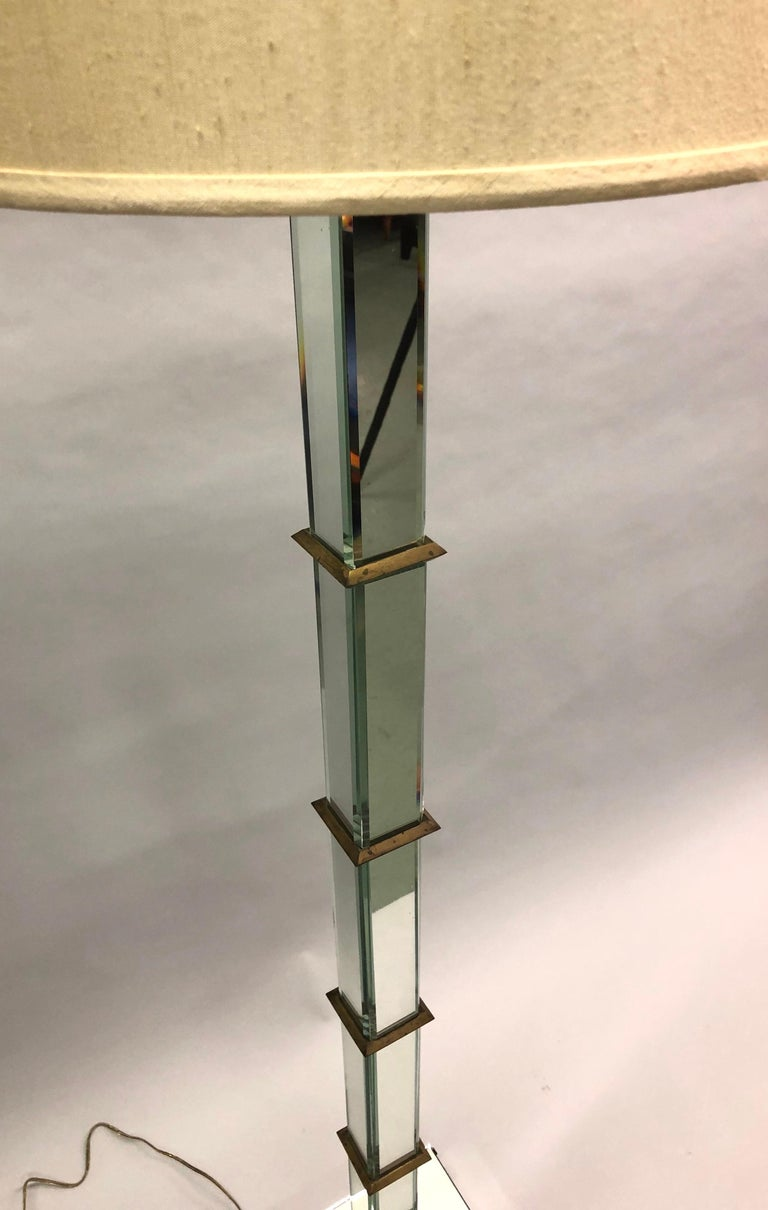 French Art Deco / Midcentury Mirrored Floor Lamp Serge Roche & Jansen Attributed In Good Condition For Sale In New York, NY