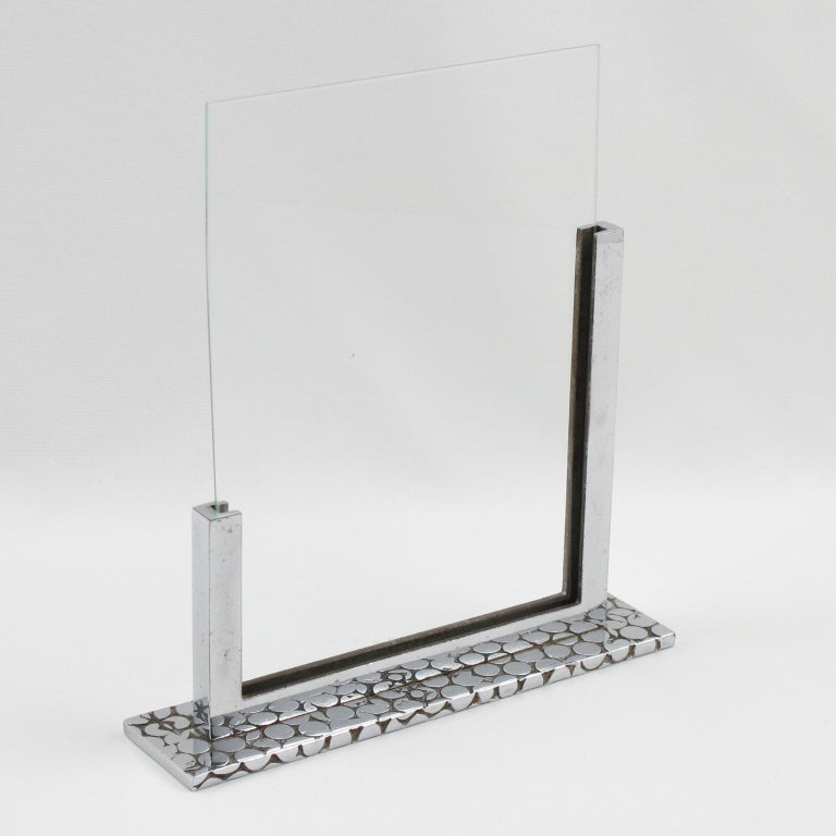 French Art Deco Modernist 1930s Chrome Picture Photo Frame In Good Condition For Sale In Atlanta, GA
