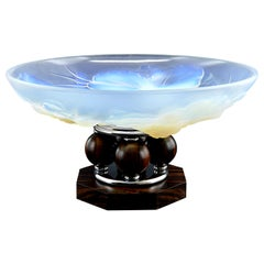 French Art Deco Opalescent Glass Center Bowl, 1930s