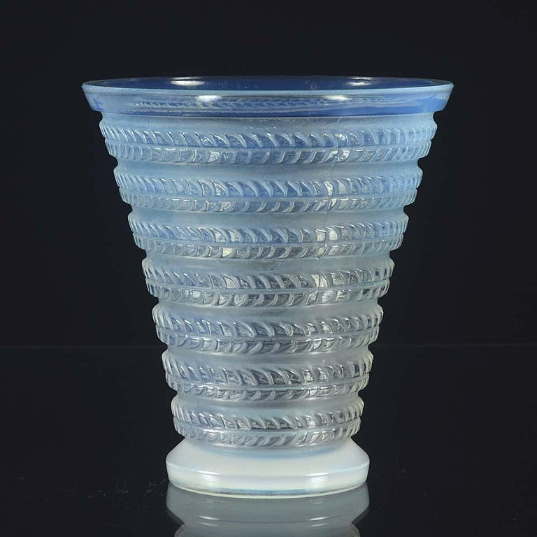 French Art Deco Opalescent Glass Vase