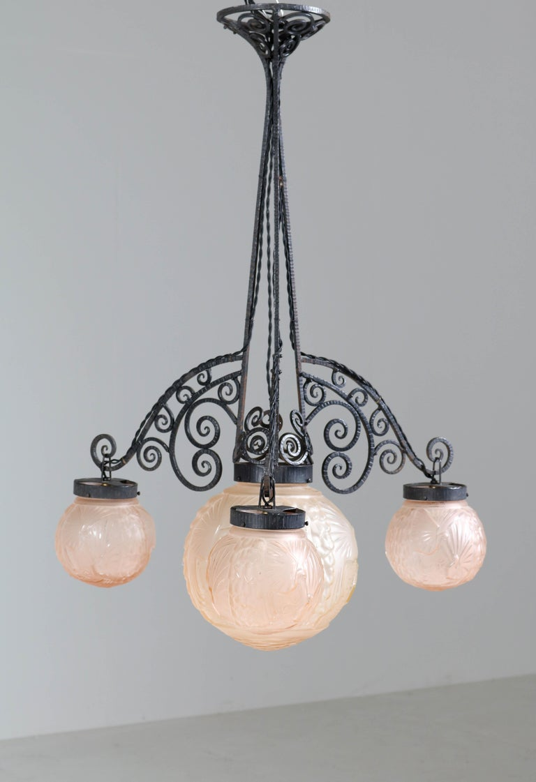 French Art Deco Peacock Glass Chandelier by Muller Frères Luneville, 1930s For Sale 4