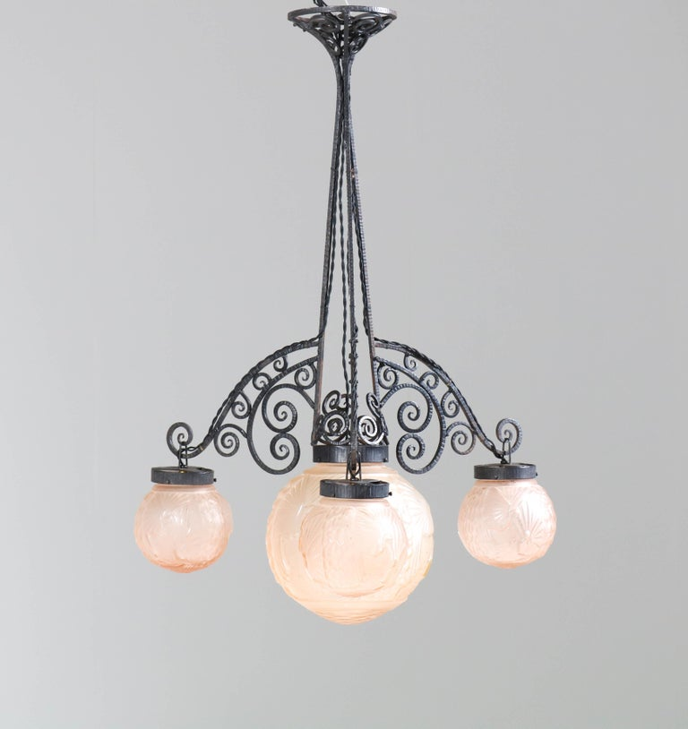 French Art Deco Peacock Glass Chandelier by Muller Frères Luneville, 1930s For Sale 5