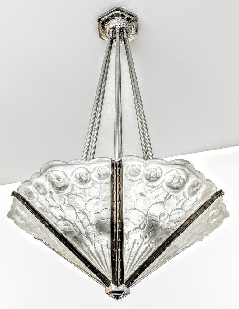 A gorgeous French Art Deco chandelier by the French artist