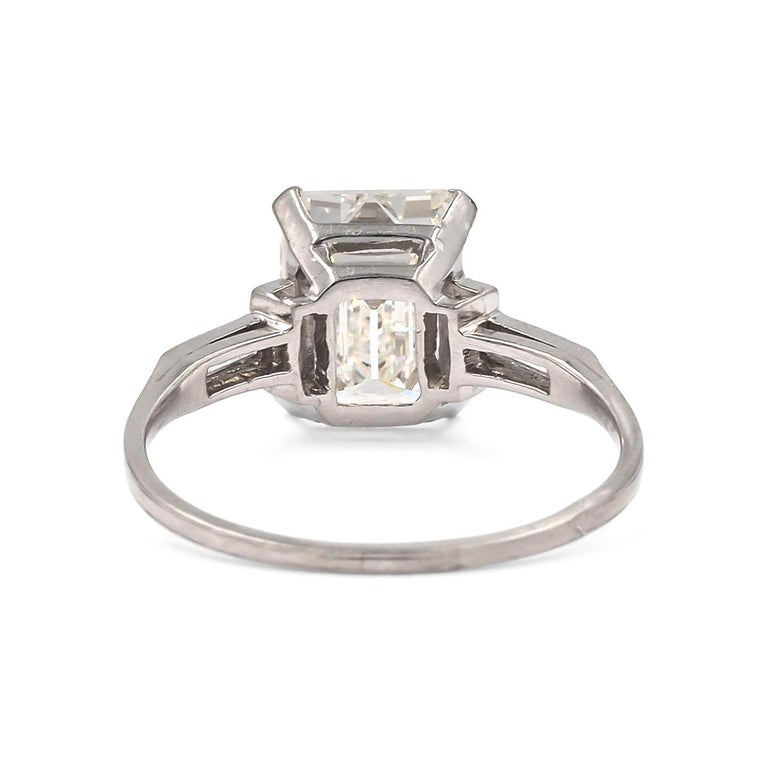 French Art Deco Platinum GIA Certified 3.07 Carat Emerald Cut Engagement Ring In Excellent Condition For Sale In Los Angeles, CA