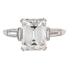 French Art Deco Platinum GIA Certified 3.07 Carat Emerald Cut Engagement Ring