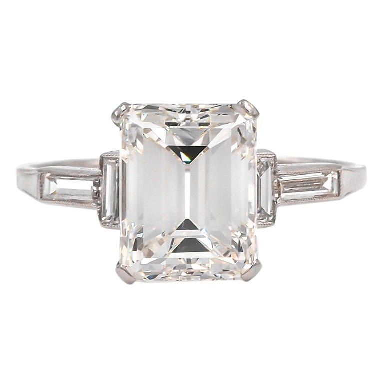 French Art Deco Platinum GIA Certified 3.07 Carat Emerald Cut Engagement Ring For Sale