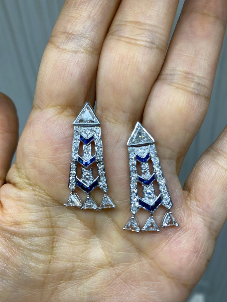 French Art Deco Style Platinum Diamond Sapphire Dangling Earrings In Excellent Condition For Sale In New York, NY