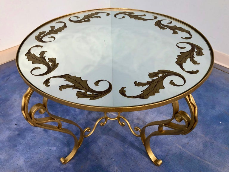 Mid-20th Century French Art Deco Round Coffee Table in Gilded Iron, 1950 For Sale