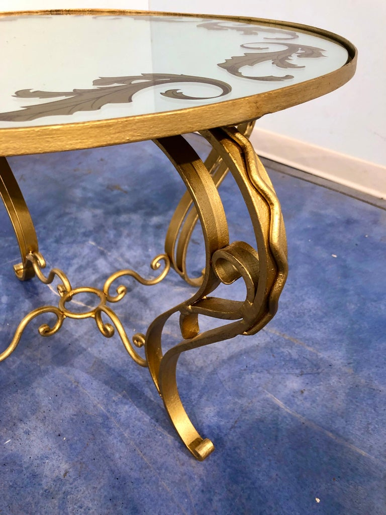French Art Deco Round Coffee Table in Gilded Iron, 1950 For Sale 1