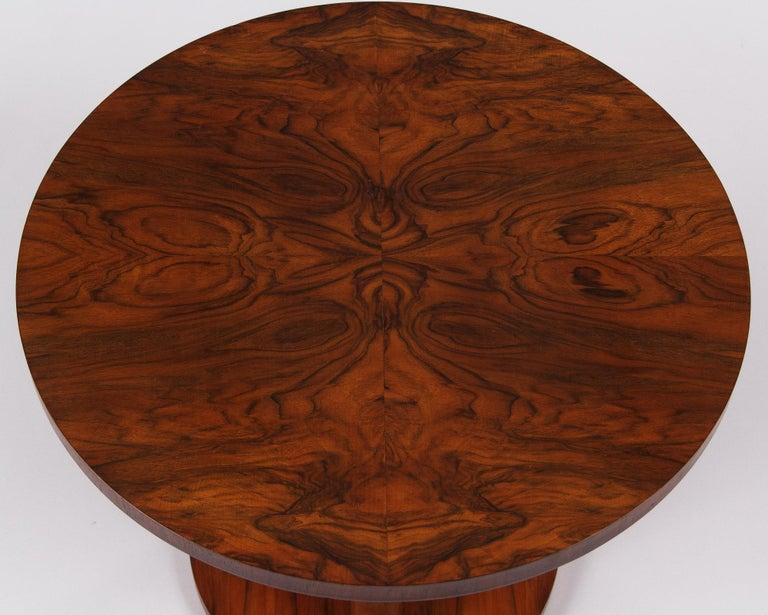 French Art Deco Round Walnut Side Table, 1930s For Sale 7