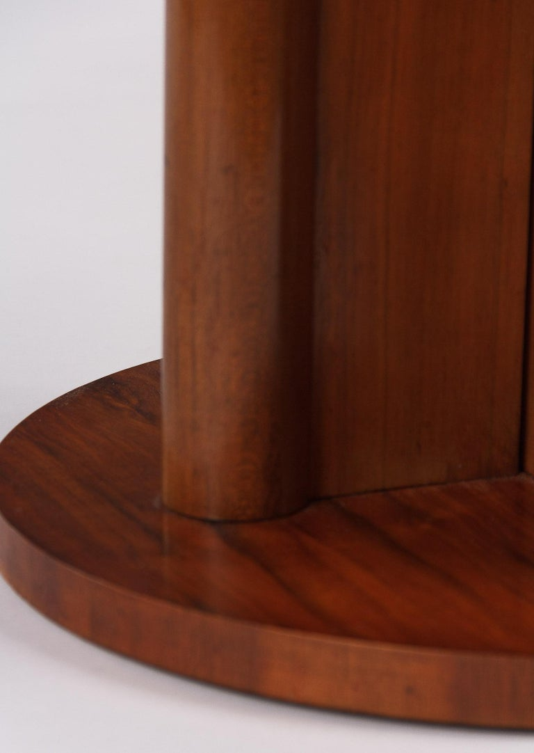 French Art Deco Round Walnut Side Table, 1930s For Sale 8