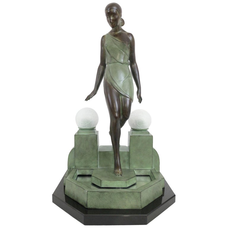 French Art Deco Sculpture, lighted, Nausicaa by Fayral, Original Max Le Verrier For Sale
