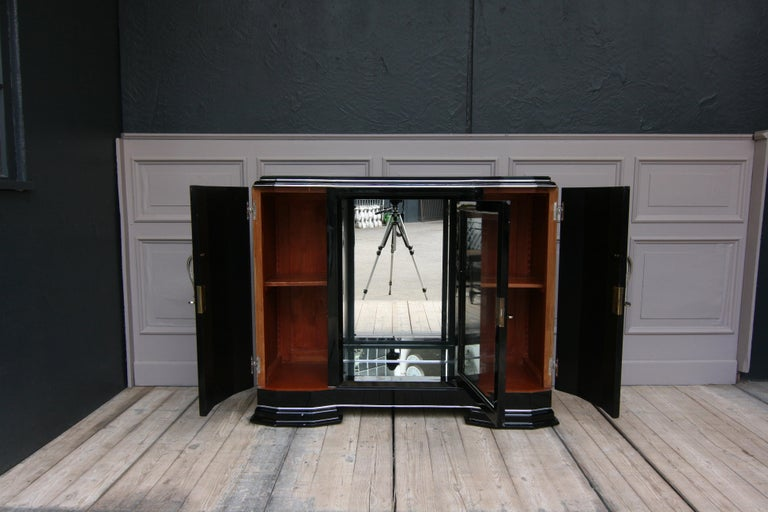 Lacquered French Art Deco Sideboard in Black, 1920s For Sale