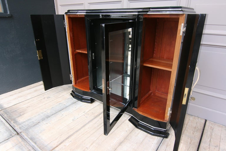 French Art Deco Sideboard in Black, 1920s In Fair Condition For Sale In Dusseldorf, DE