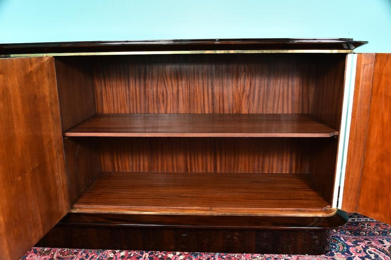 French Art Deco Sideboard in Walnut with White Leather, circa 1940-50s In Excellent Condition For Sale In Houston, TX