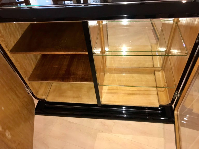 French Art Deco Sideboard, Macassar, France circa 1925 In Good Condition For Sale In Regensburg, DE