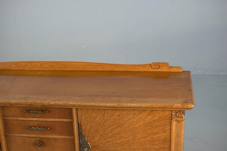 French Art Deco Sideboard with French Art Veneer, 1940s For Sale 10