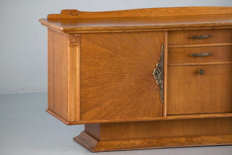French Art Deco Sideboard with French Art Veneer, 1940s For Sale 4
