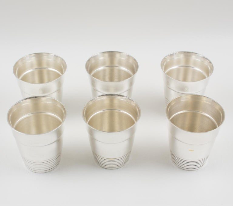 French Art Deco Silver Plate Martini Shaker and 6 Cocktail Cups For Sale 5