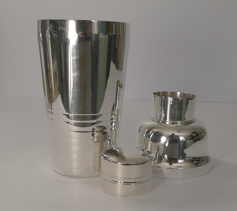 French Art Deco Silver Plated Cocktail Shaker, circa 1930 For Sale 2