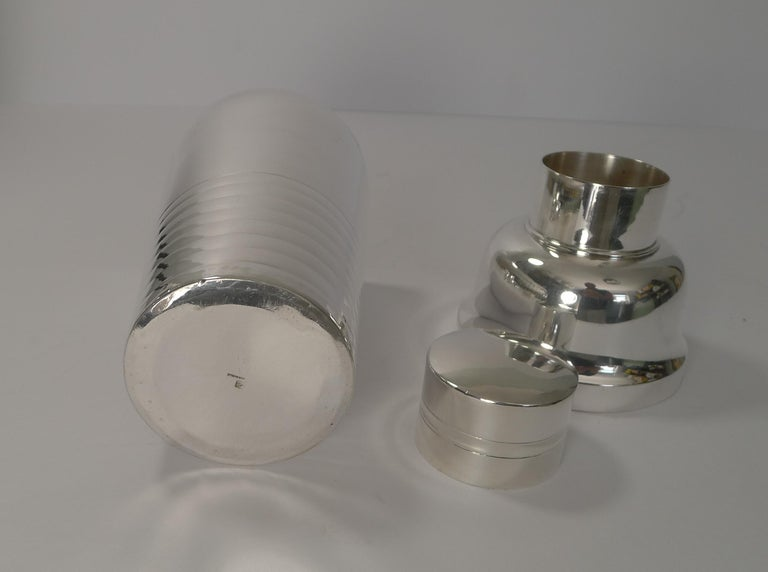 French Art Deco Silver Plated Cocktail Shaker, circa 1930 For Sale 3