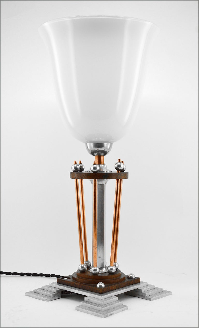 French Art Deco table lamp, France, 1920s. Measures: Height 17.7