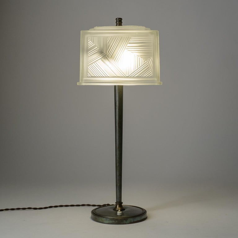 French Art Deco Table Lamp by Sabino, circa 1930 For Sale 4