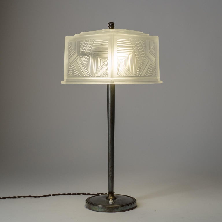 French Art Deco Table Lamp by Sabino, circa 1930 For Sale 5