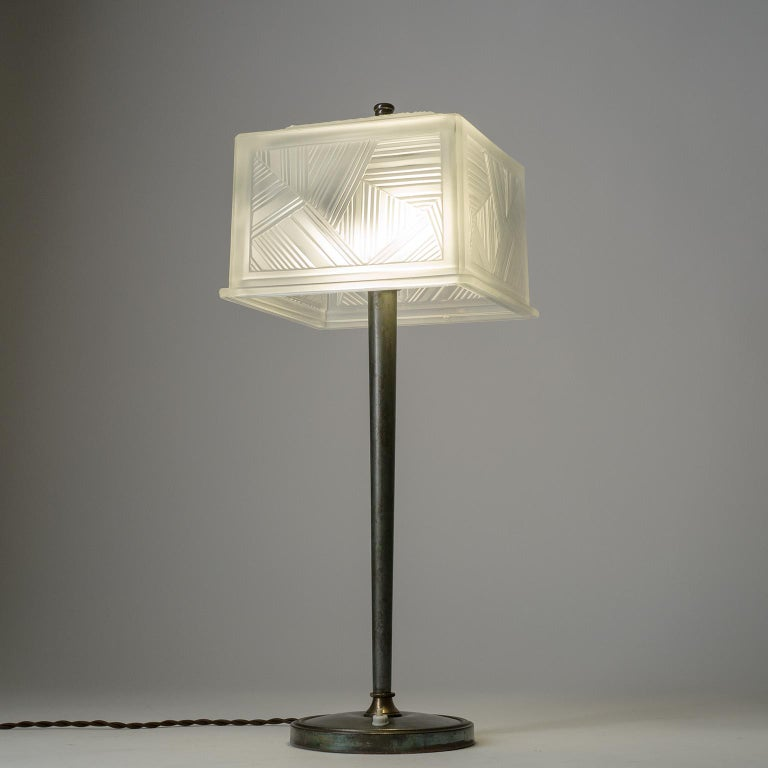 French Art Deco Table Lamp by Sabino, circa 1930 For Sale 10