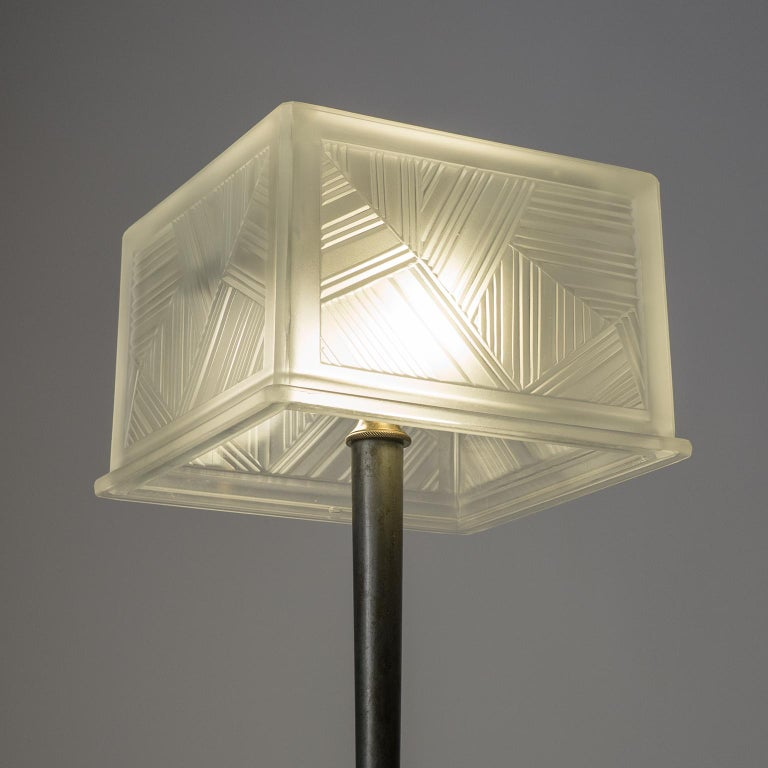French Art Deco Table Lamp by Sabino, circa 1930 In Good Condition For Sale In Vienna, AT