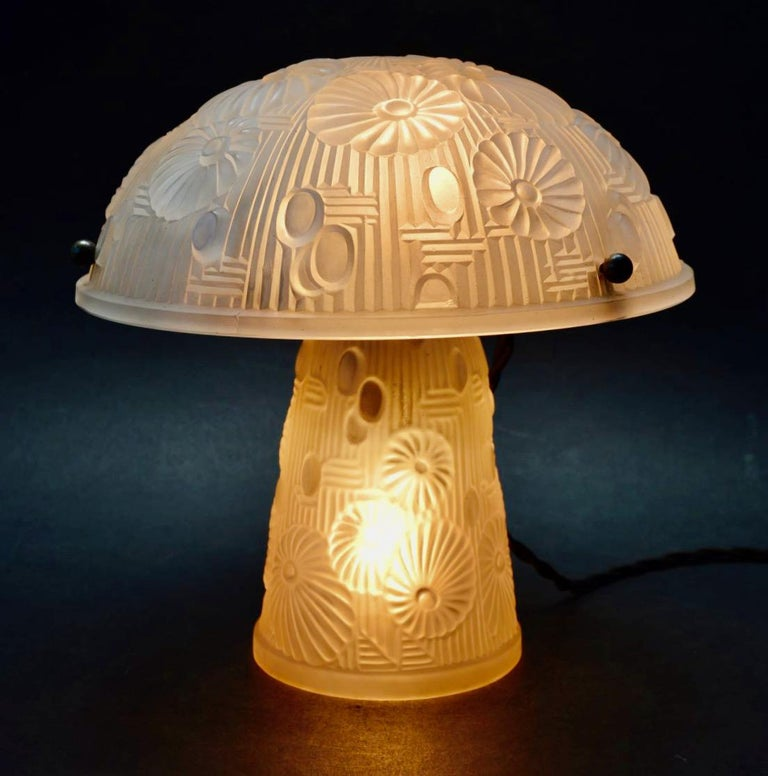 French Art Deco Table Lamp Moulded Glass Mushroom Shape In Good Condition In Oakland, CA