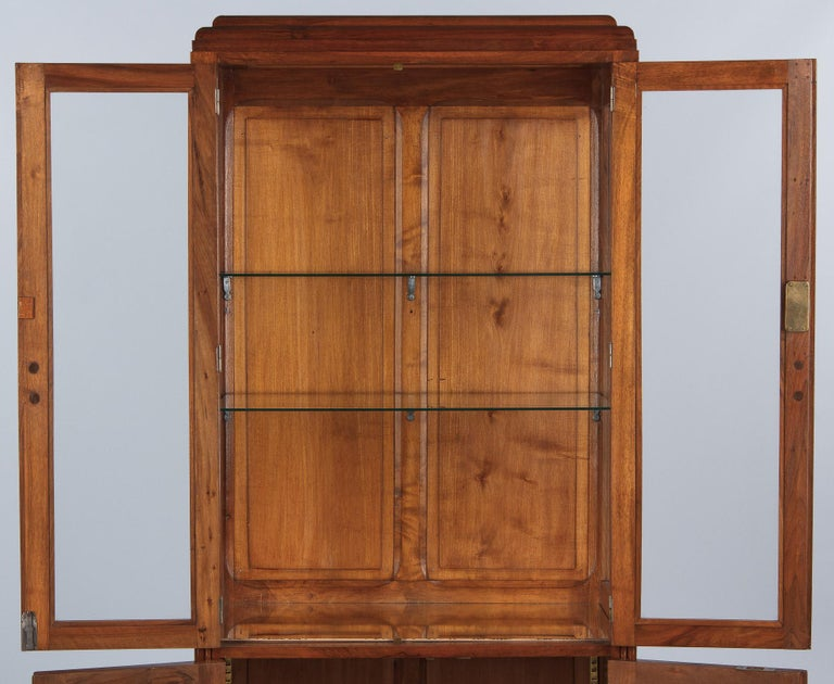 French Art Deco Walnut Display Cabinet or Bookcase, 1930s For Sale 8