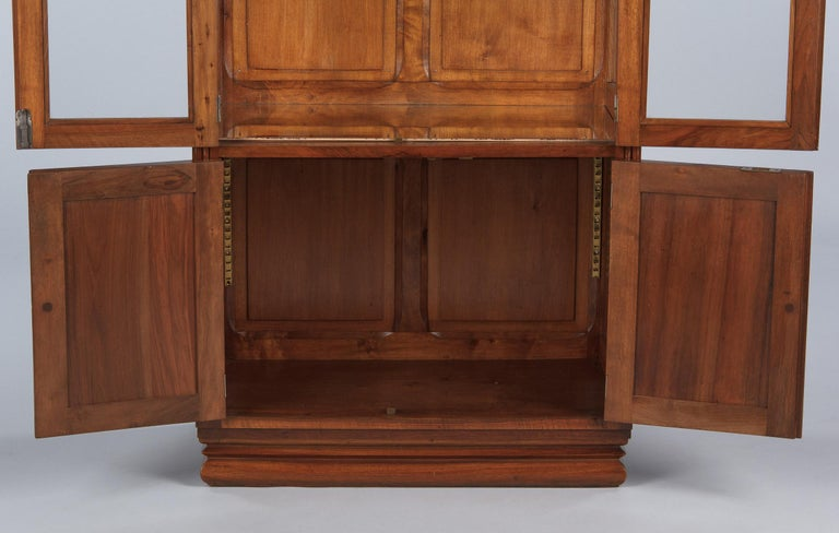 French Art Deco Walnut Display Cabinet or Bookcase, 1930s For Sale 9