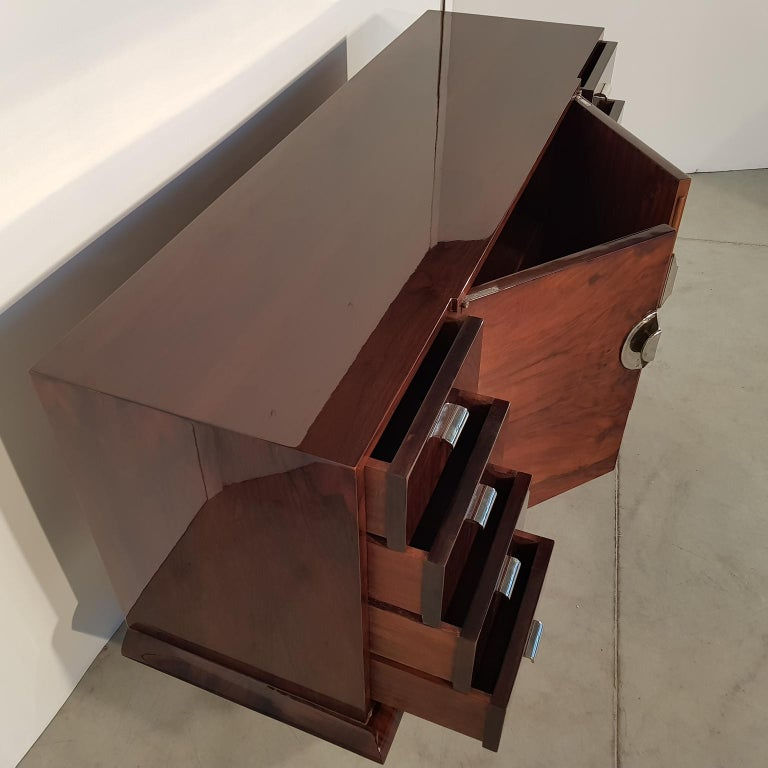 Mid-20th Century French Art Deco Walnut Sideboard, 1930s For Sale