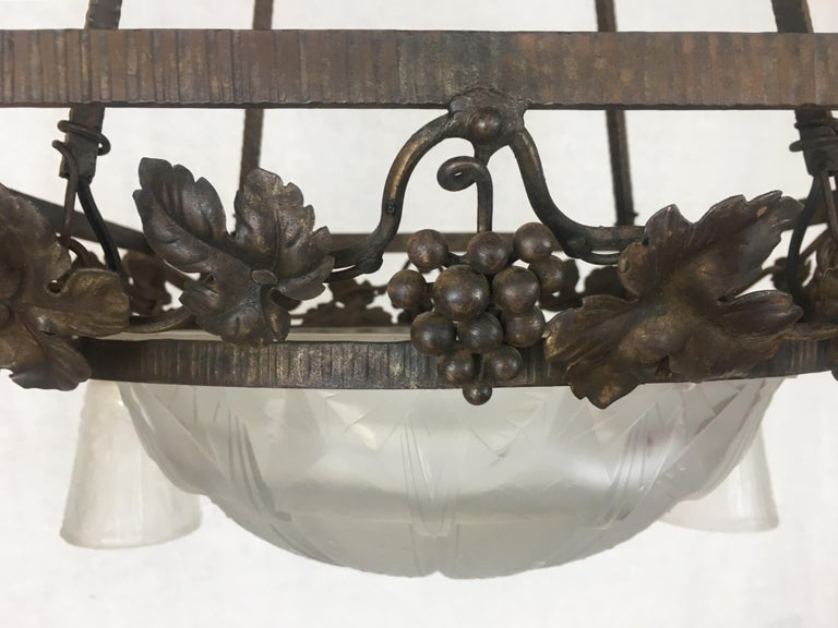 Muller Freres French Art Deco Wrought Iron Etched Glass Chandelier, Signed  For Sale 6