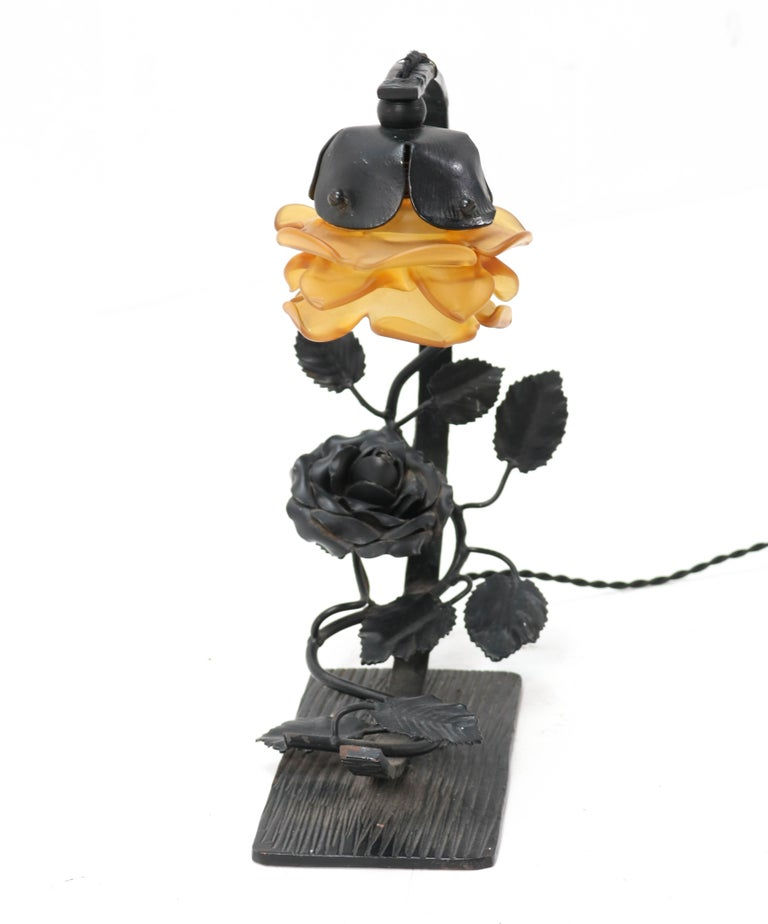 French Art Deco Wrought Iron Table Lamp, 1930s For Sale 1