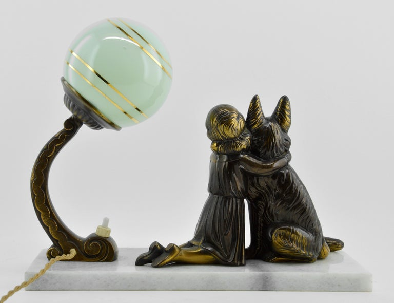 French Art Deco Young Girl and German Shepherd Sculpture Table Lamp, 1930s For Sale 1