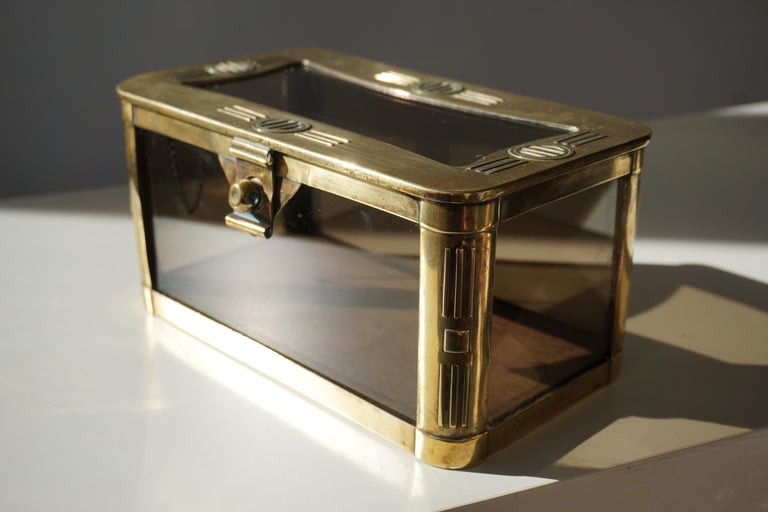 French Art Nouveau Brass and Glass Jewelry Box, circa 1900 In Good Condition For Sale In Antwerp, BE