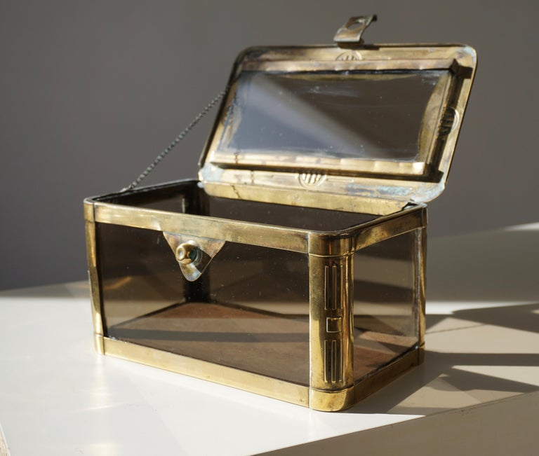 French Art Nouveau Brass and Glass Jewelry Box, circa 1900 For Sale 1