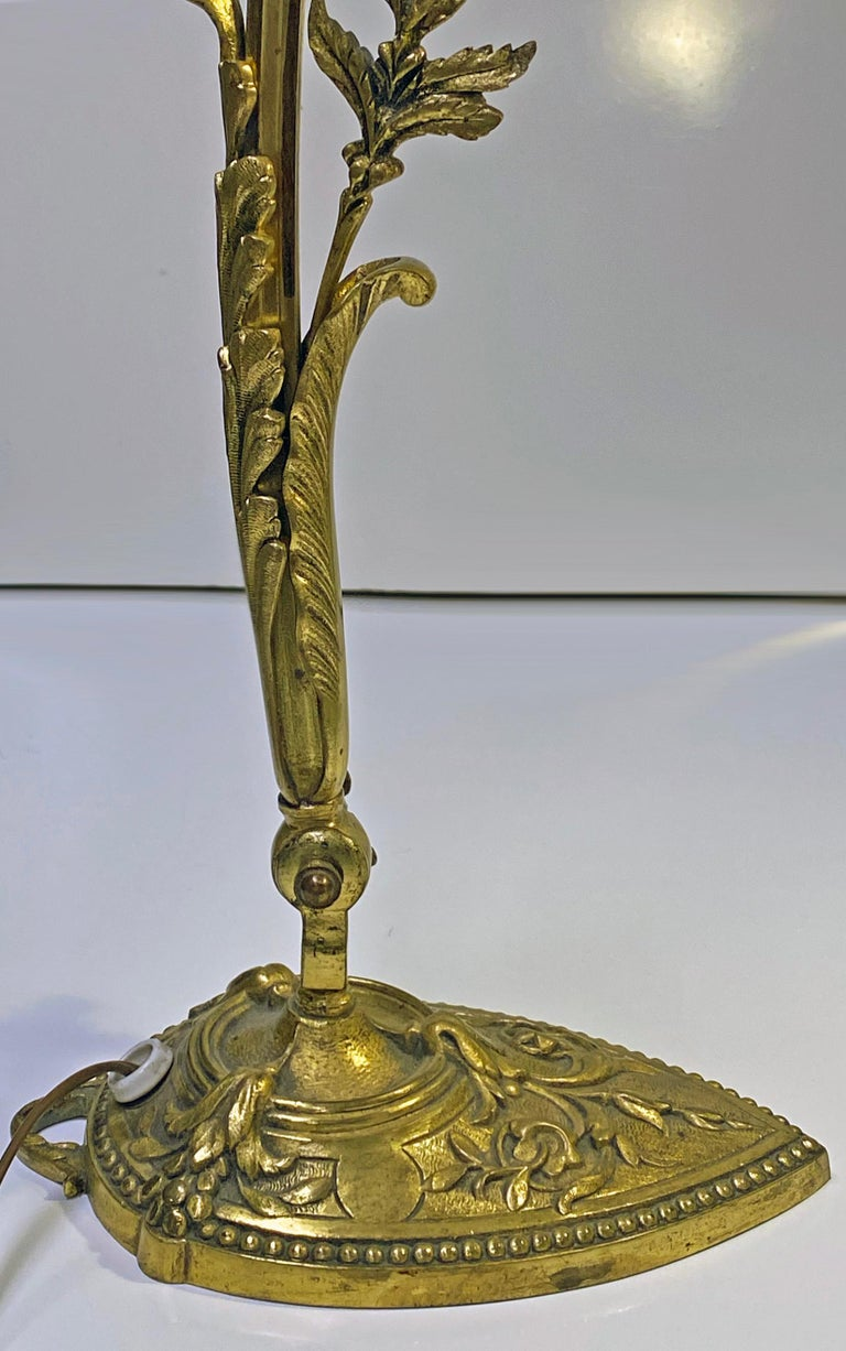 French Art Nouveau Bronze Table Desk Lamp, circa 1920 In Good Condition For Sale In Toronto, Ontario