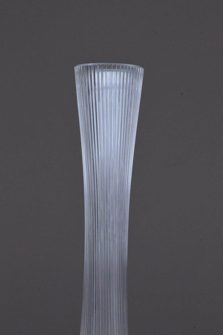 French Art Nouveau Clear Glass Vase by Daum, France, 1970s In Good Condition For Sale In Paris, FR