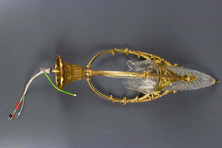 French Art Nouveau Cut Crystal Glass and Brass Pendant Light, Early 20th Century For Sale 15