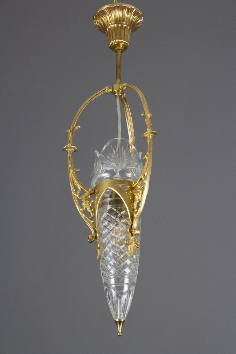 French Art Nouveau Cut Crystal Glass and Brass Pendant Light, Early 20th Century For Sale 16