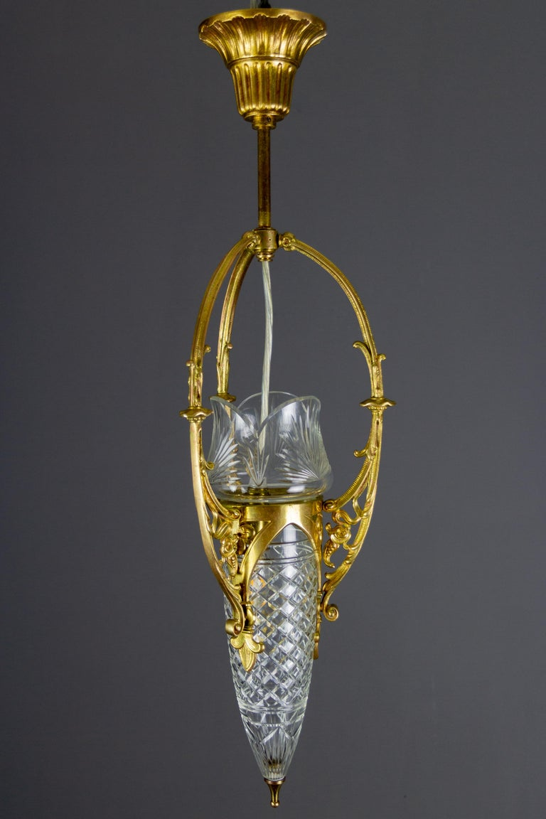French Art Nouveau Cut Crystal Glass and Brass Pendant Light, Early 20th Century For Sale 17