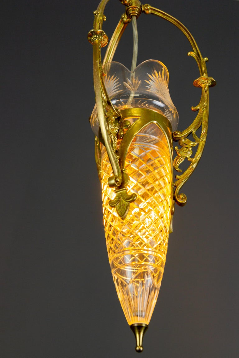 French Art Nouveau Cut Crystal Glass and Brass Pendant Light, Early 20th Century For Sale 3