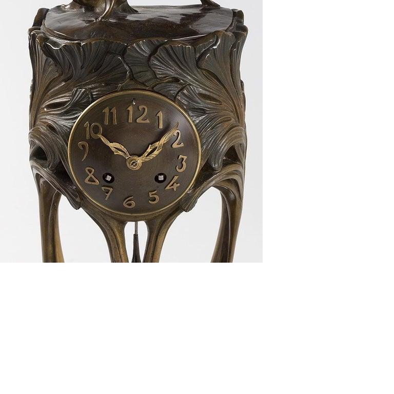 French Art Nouveau Gilt Bronze Clock by Dufrène In Excellent Condition For Sale In New York, NY