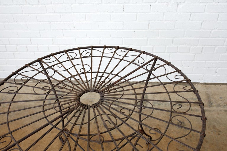 French Art Nouveau Iron and Wire Garden Table For Sale 5